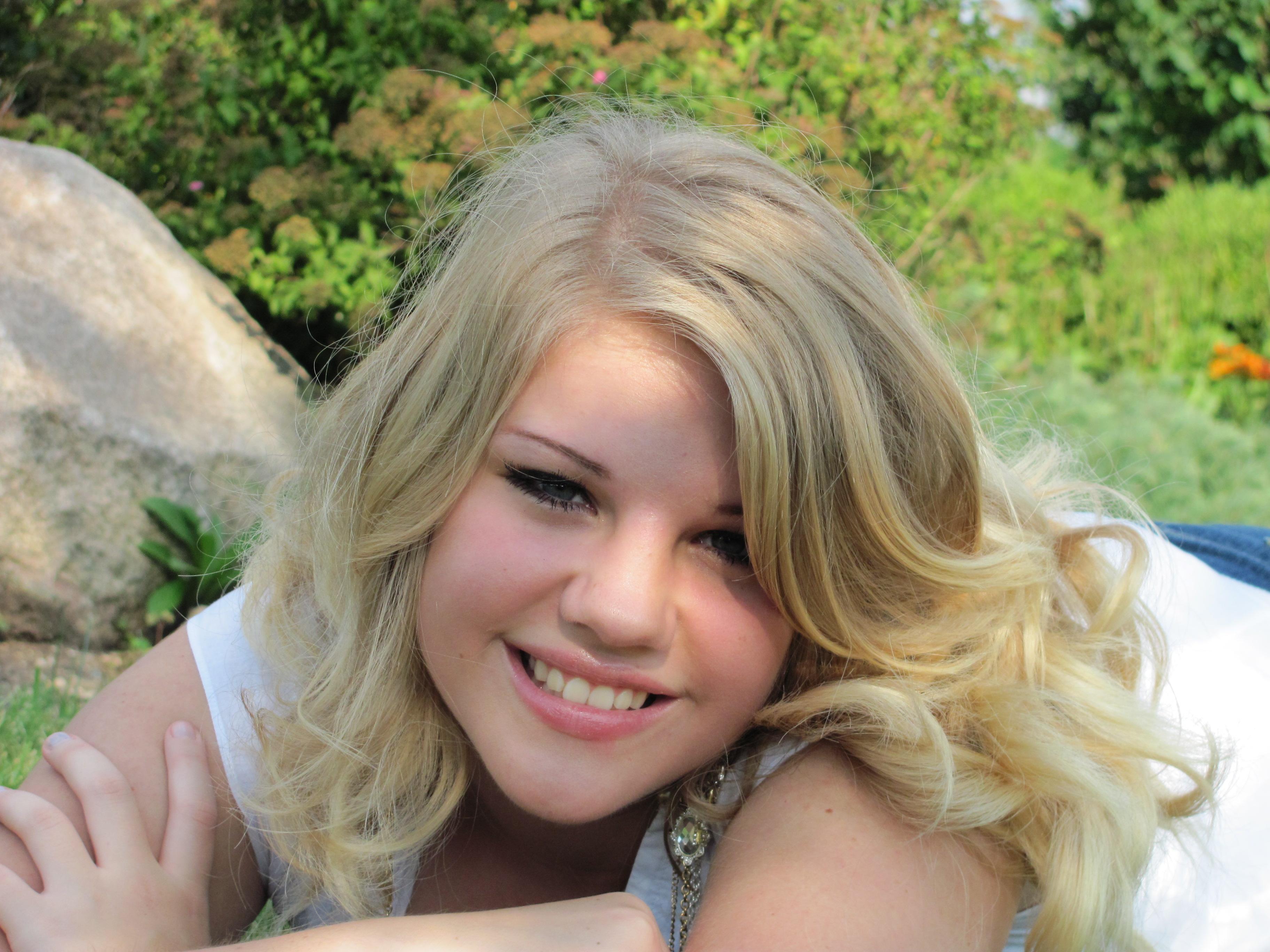 Emilianna Nude Photos 21